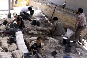 Archaeological work under way in Silwan under the auspices of an Israeli settler group.